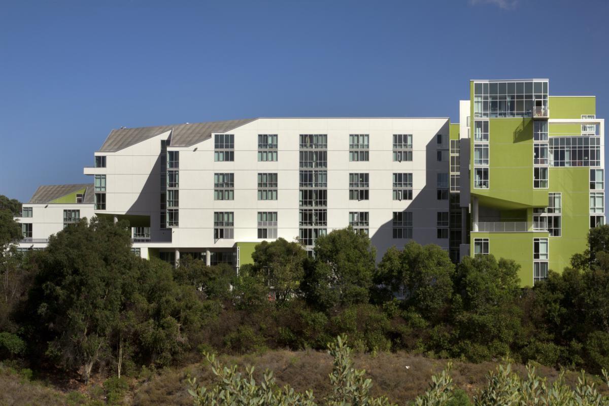Rita Atkinson Residence / Valerio Dewalt Train Architects, © Nic Lehoux