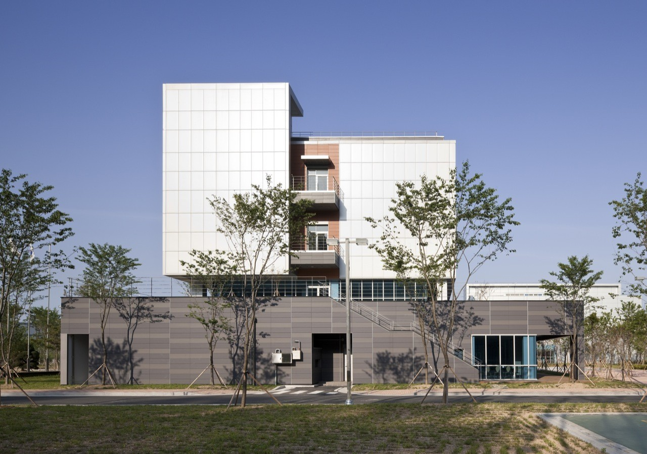 Gallery of dongwha pharm laboratory junglim architecture 7 for Lab architects