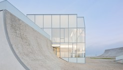 Museu do oceano e do surfe / Steven Holl Architects + Solange Fabião