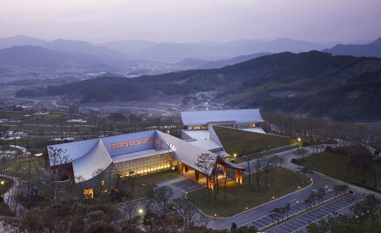 Lake Hills Suncheon Golf Resort / Ken Min Architects, © Kim Yong Kwan