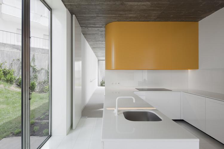 Santa Isabel House / Ricardo Bak Gordon, © Fernando Guerra |  FG+SG