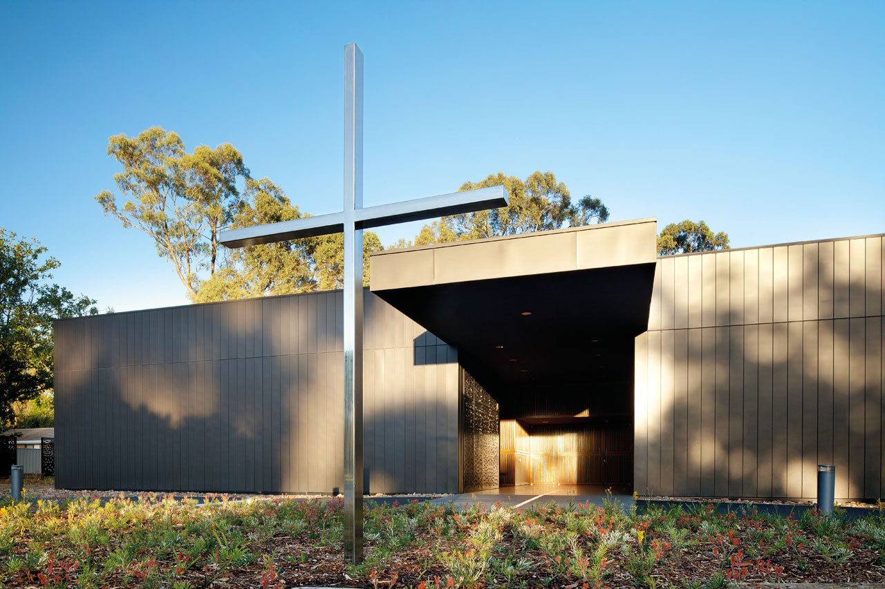 Puckapunyal Military Area Memorial Chapel / BVN Architecture, © John Gollings