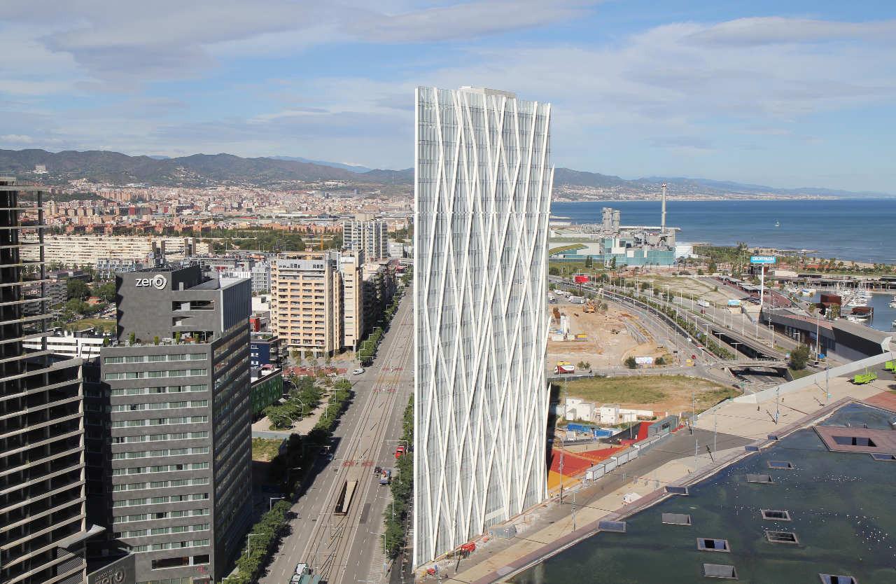 Torre Diagonal Zero Zero / EMBA, © Pedro Antonio Pérez & mylapse