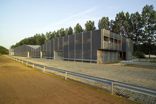 Schoten Workshop Building / Loos Architects, © Allard van der Hoek