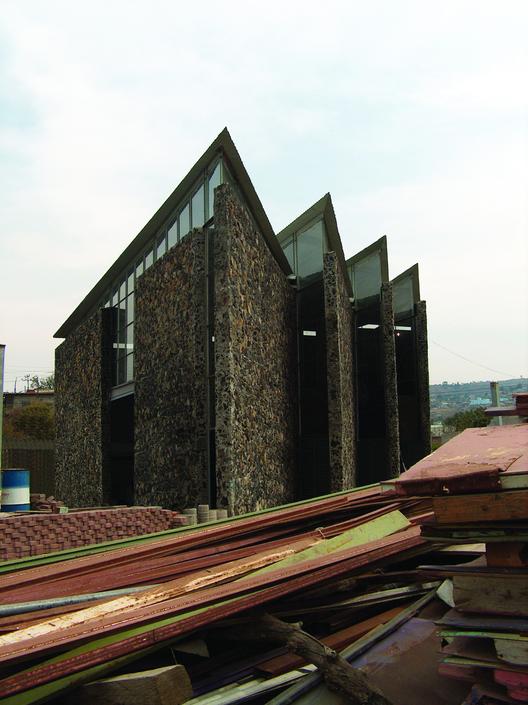 Courtesy of  taller de arquitectura-mauricio rocha