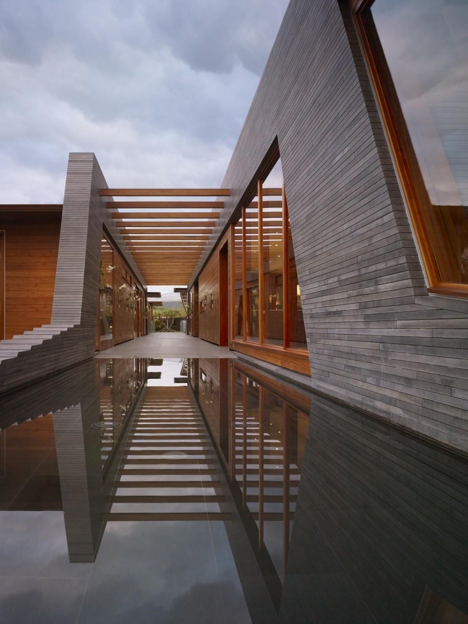 Kona Residence / Belzberg Architects, © Benny Chan (Fotoworks)