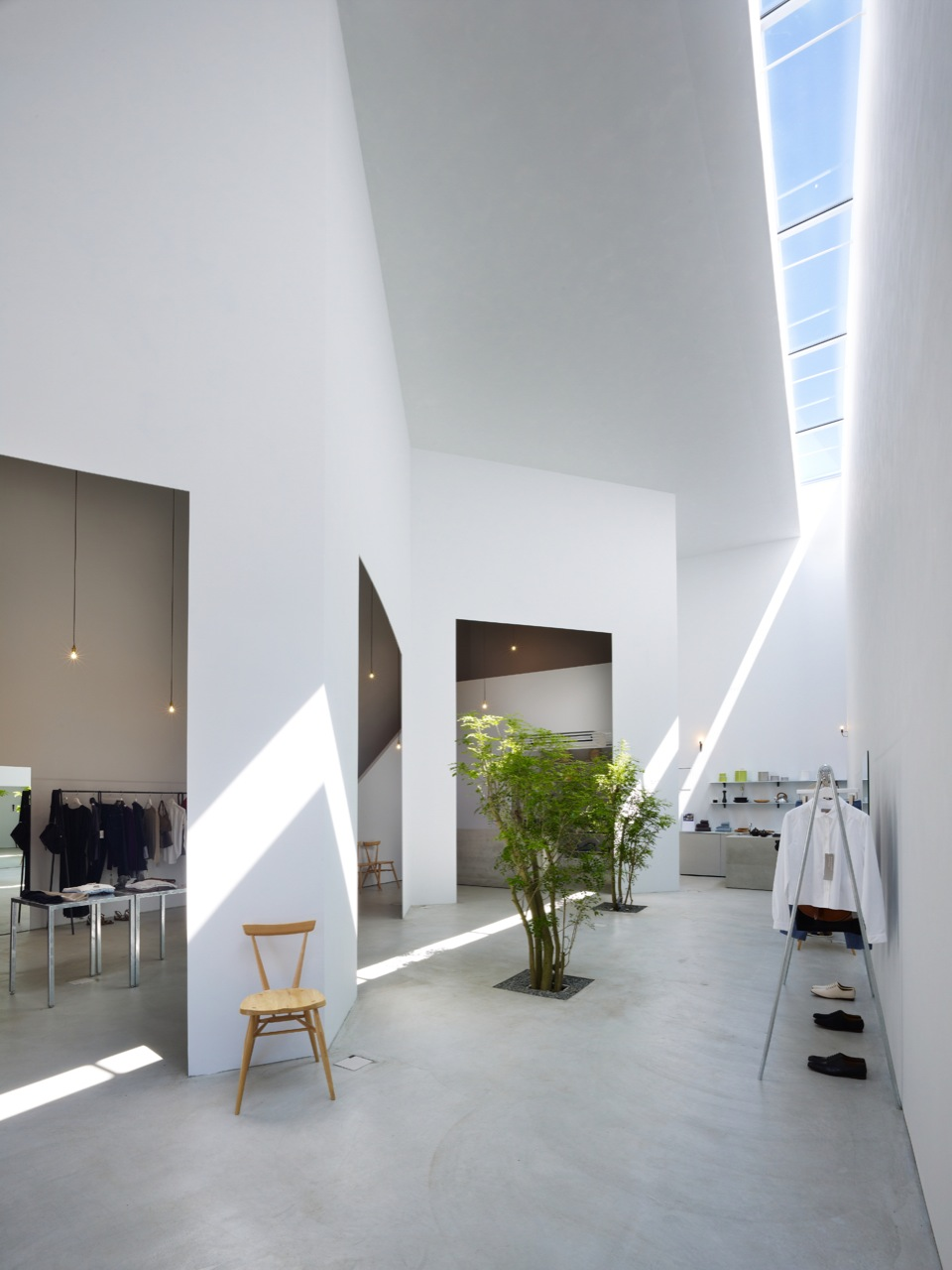 Suppose design office office archdaily for Japanese office interior design