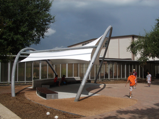 © 2011 McReynolds Middle School Solar Shade Tree © Patrick Peters