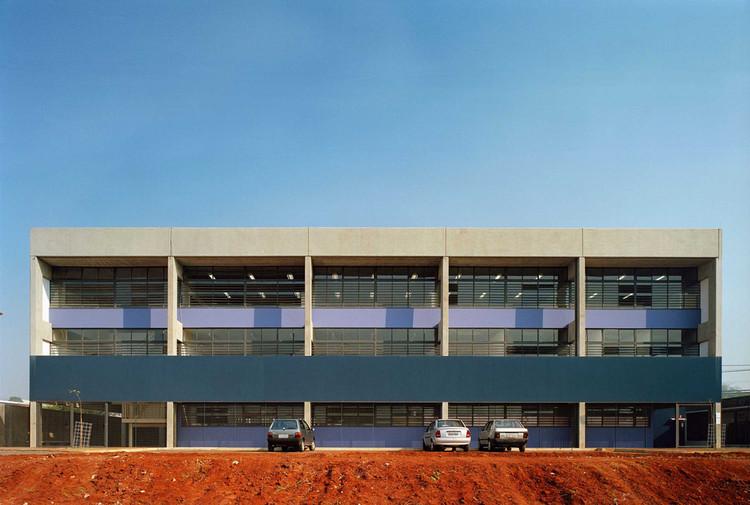 CHB Campinas F1 State School / MMBB Arquitetos, © Nelson Kon