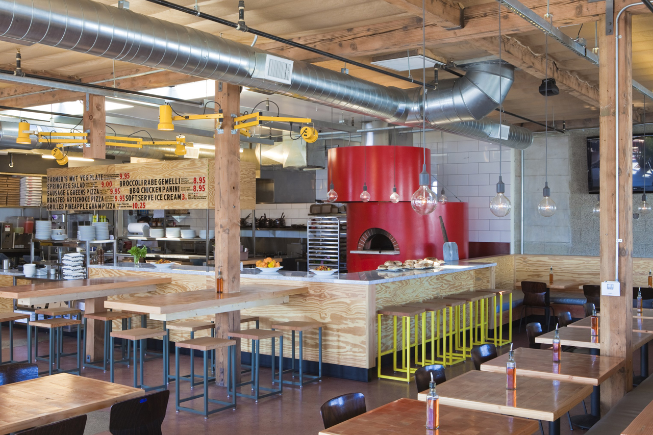 Pitfire Pizza / Bestor Architecture, © Ray Katchatorian
