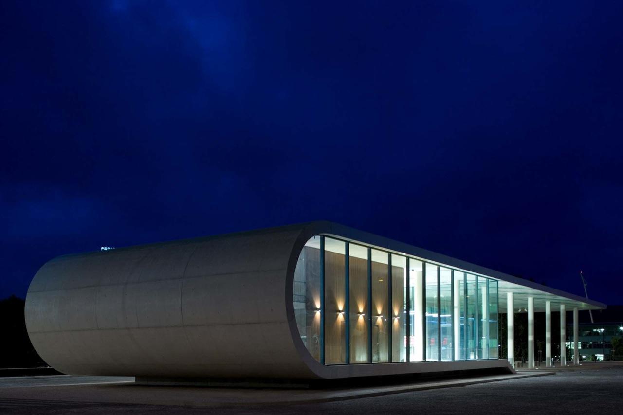Bus Station of Rio Maior / Domitianus Arquitectura, © FG+SG – Fernando Guerra