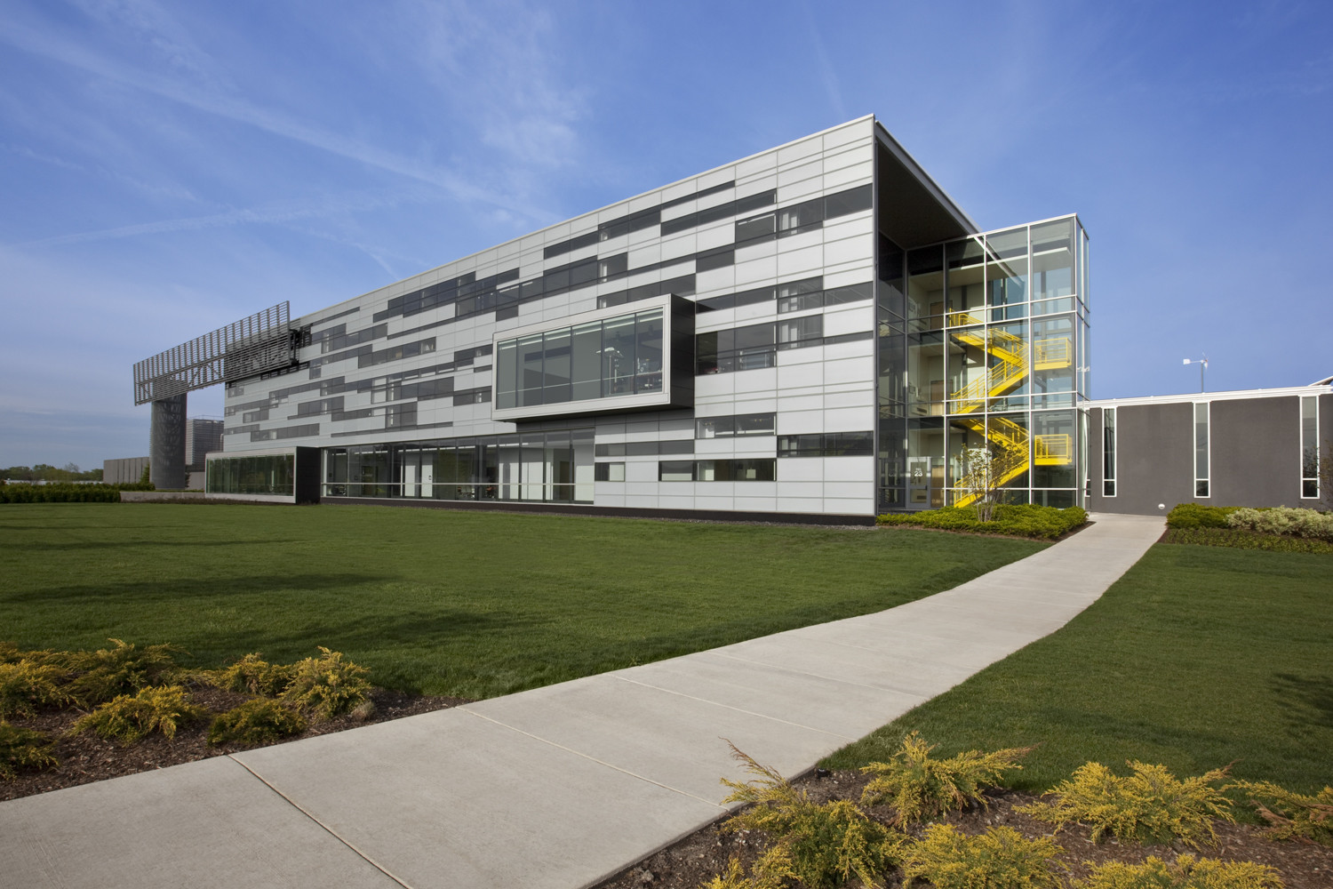 College of DuPage Technology Education Center / DeStefano Partners, ©  Barbara Karant / Karant + Associates