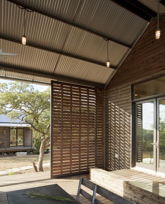 Courtesy of  lake | flato architects