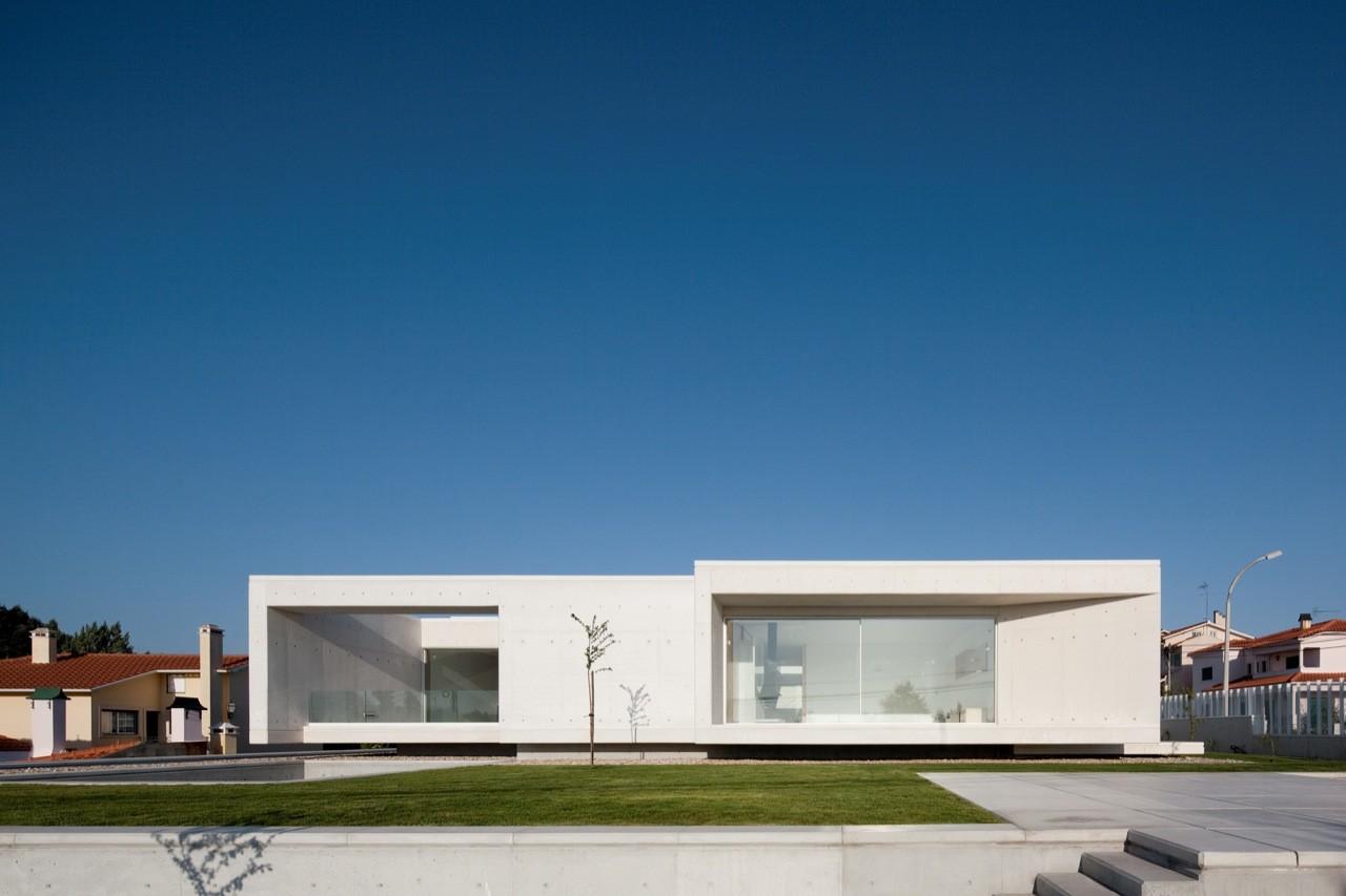 House in Leiria / ARX Portugal, © FG+SG – Fernando Guerra, Sergio Guerra