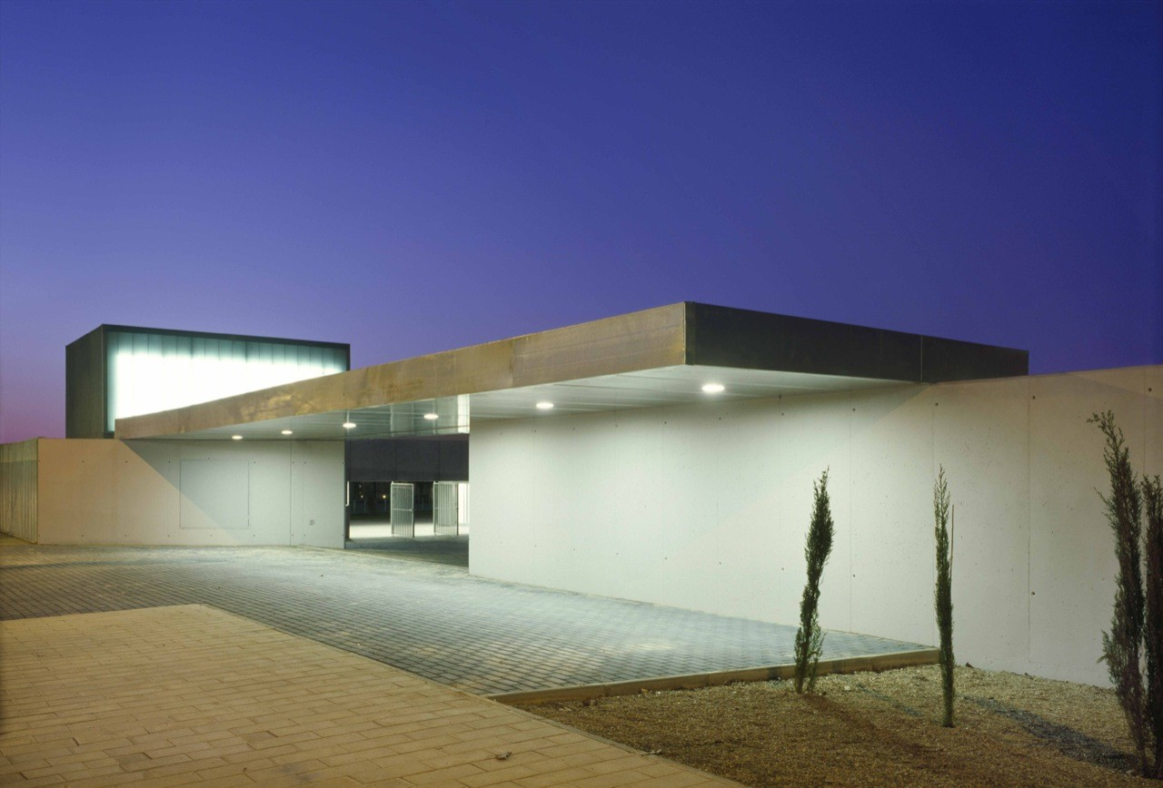"Facilities for Children and Youth Activities ""La Camisera"" / Cerrejon Arquitectos + Magén Arquitectos, © Roland Halbe"