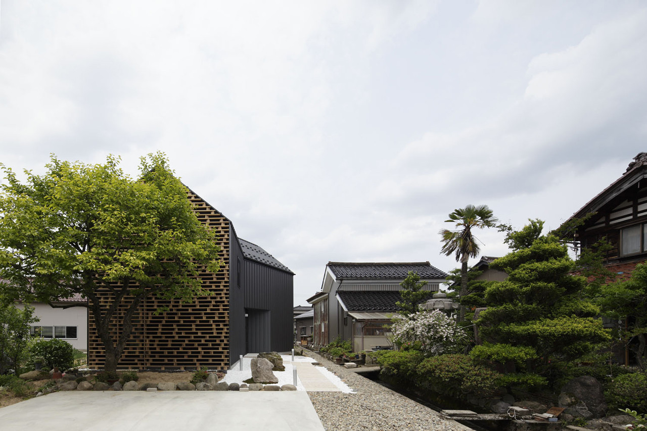 House in Kaga / AE5 partners, © Nacasa & Partners