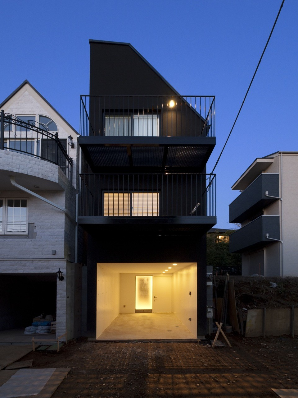 House Contrast / Key Operation, © Tokyo gumi, KOP