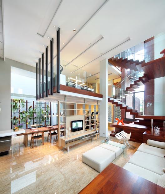Alam Sutra Residence / Wahana Architects, © Fernando Gomulya