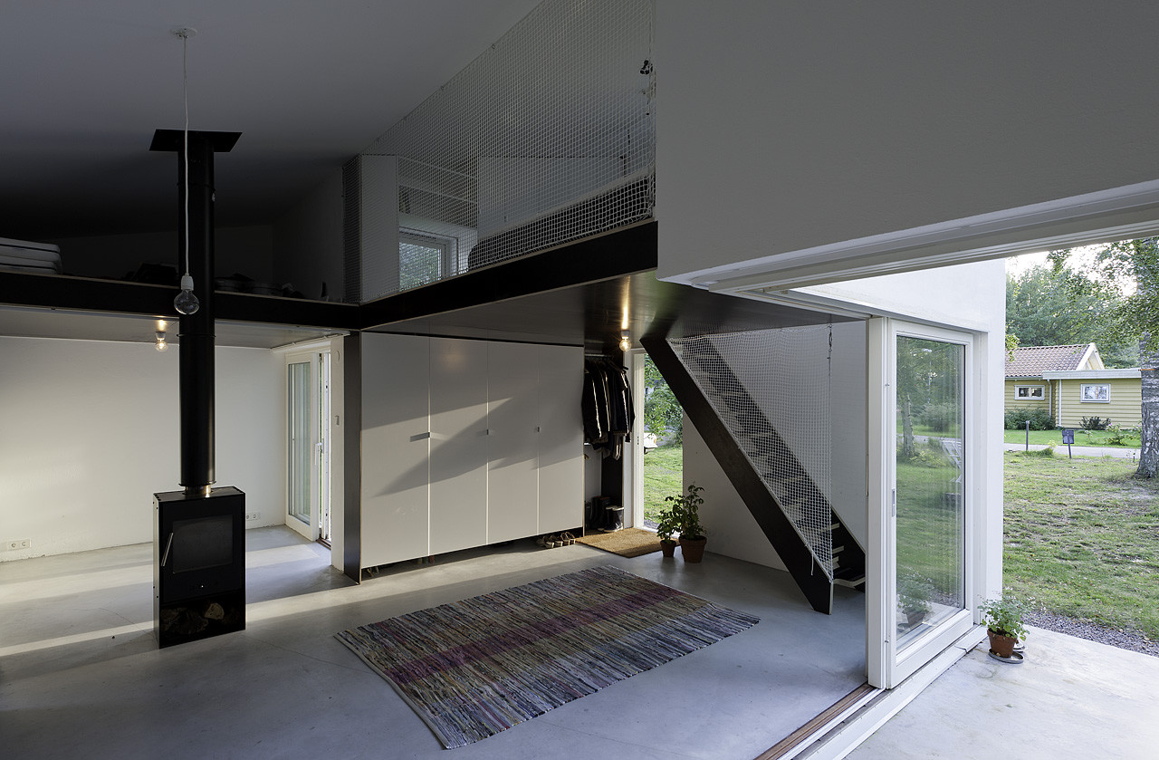 Gallery of small swedish house dinelljohansson 1 - Living in small spaces home minimalist ...