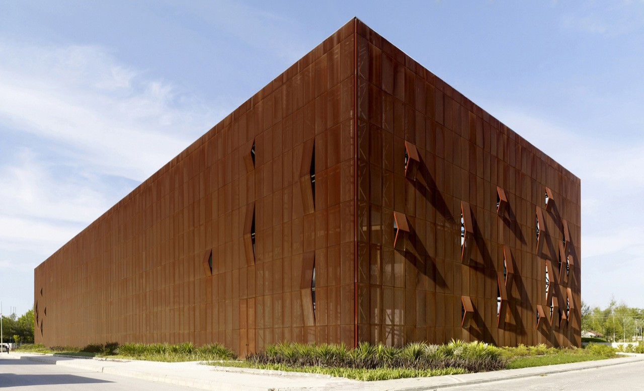 Raif Dinçkök Yalova Cultural Center / Emre Arolat Architects, Courtesy of  emre arolat architects