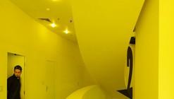 Hostel Golly±Bossy / Studio Up