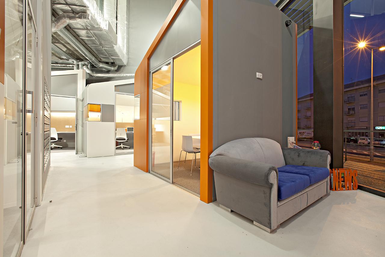 Factory Bussines Center / Simpli Design, © Rui Pires