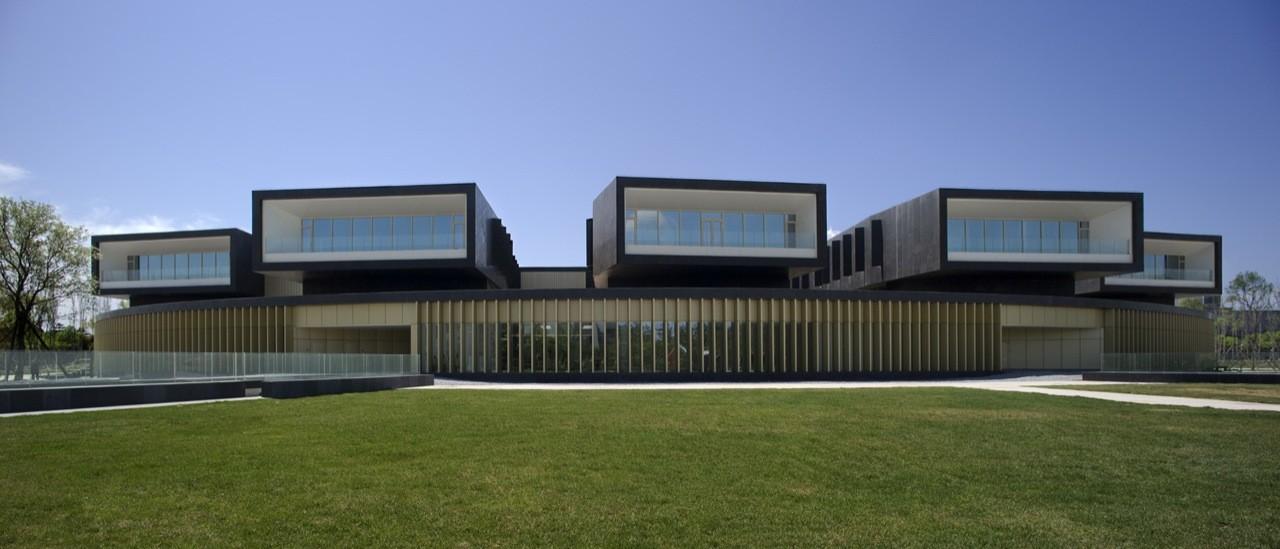 CEIBS Beijing Campus / ACXT Arquitectos, © Aitor Ortiz