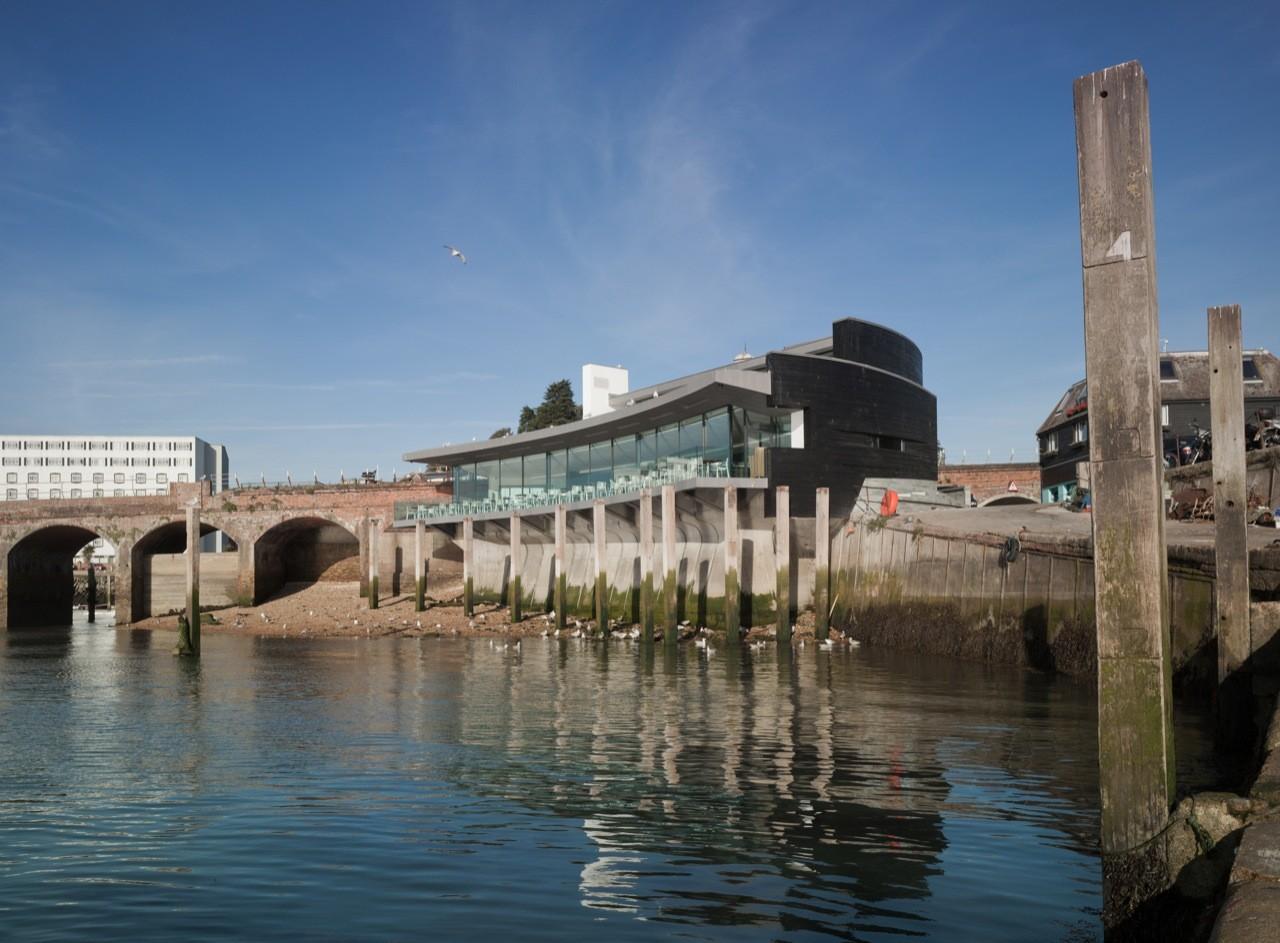 Rocksalt Seafood Restaurant / Guy Hollaway Architects, © Paul Freeman