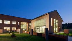 Triangle Brick Headquarters / Pearce Brinkley Cease + Lee