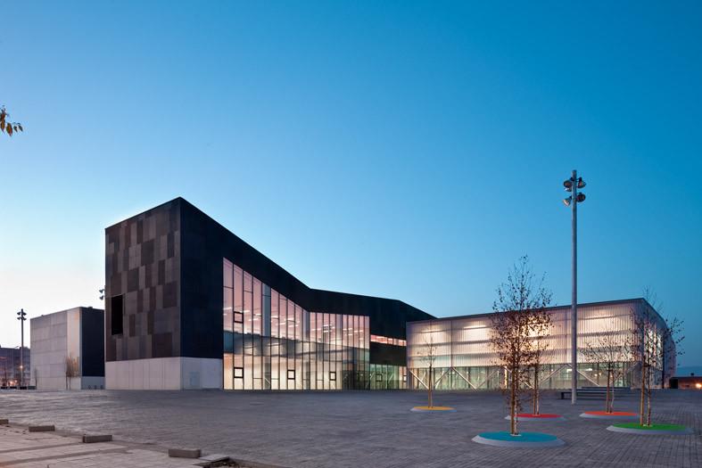 Ibaiondo Civic Center / ACXT Arquitectos, © Josema Cutillas