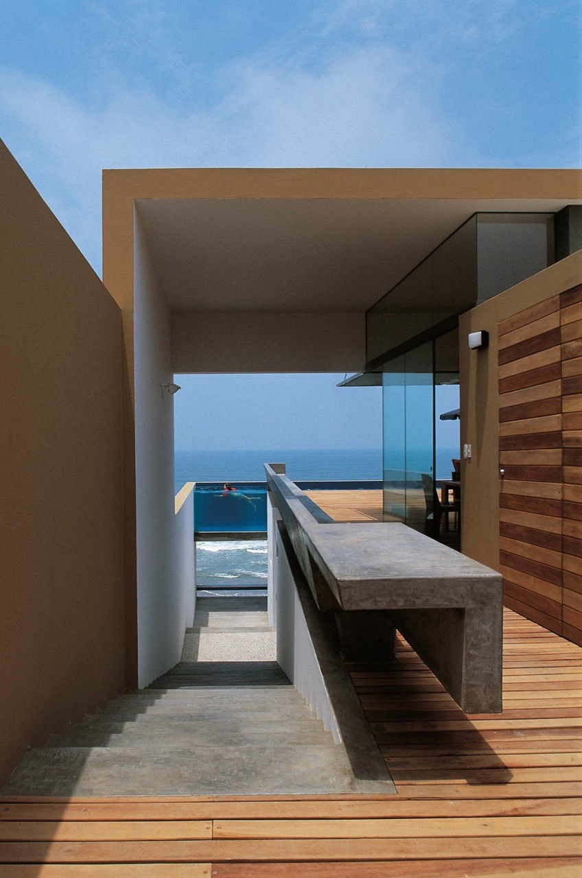 Flashback: Casa Equis / Barclay & Crousse Architecture, Courtesy of  barclay & crousse architecture