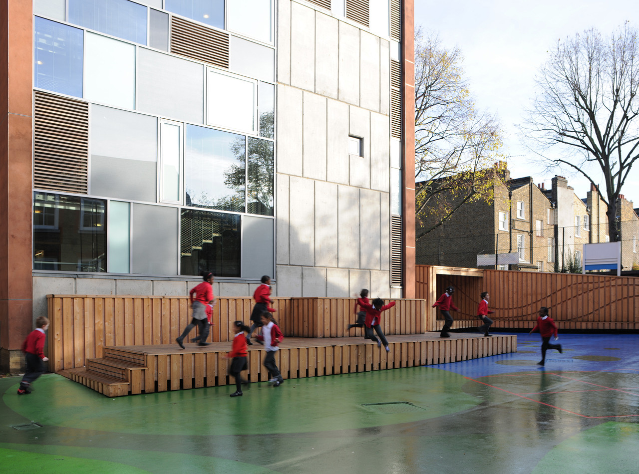 Playground Charlotte Sharman Primary School / de Matos Ryan, © David Grandorge