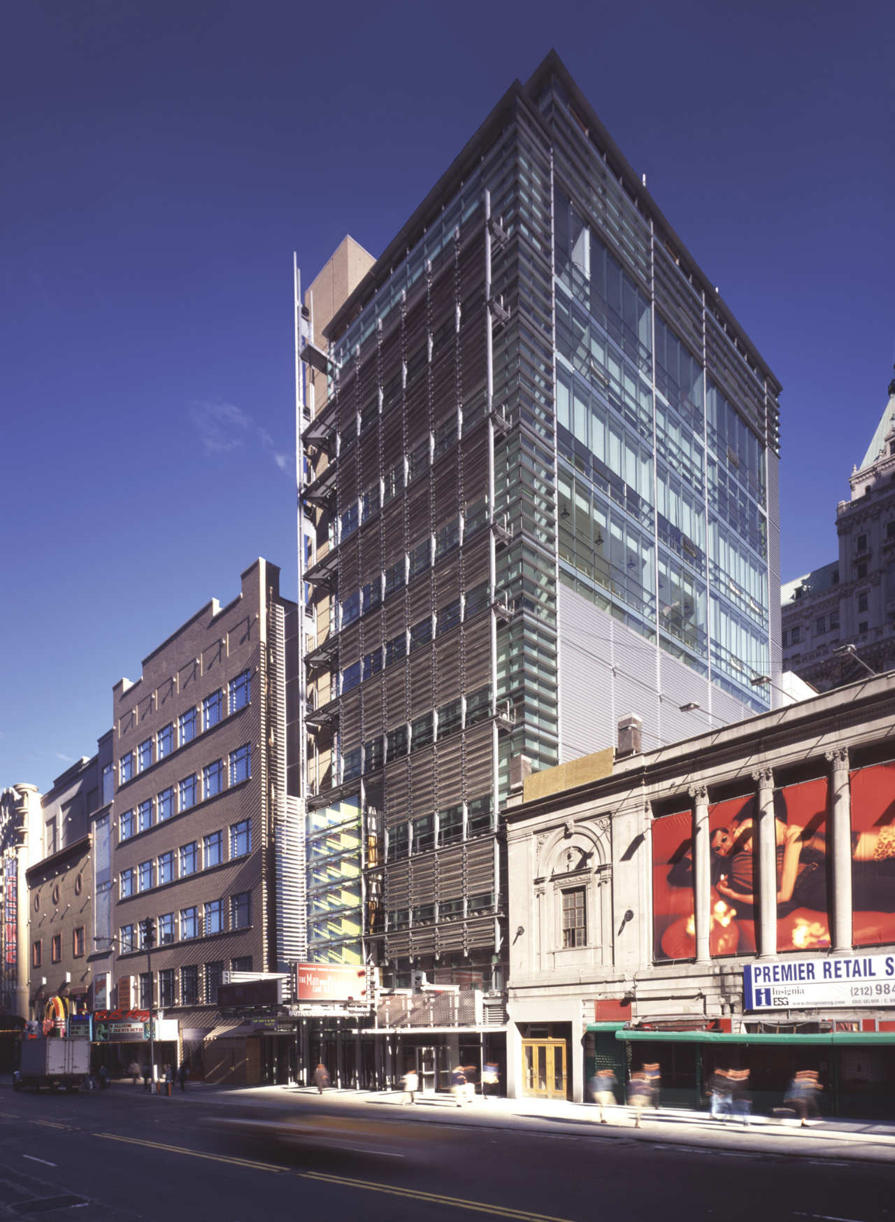 Flashback: The New 42nd Street Studios / Platt Byard Dovell White Architects, © Elliott Kaufmann
