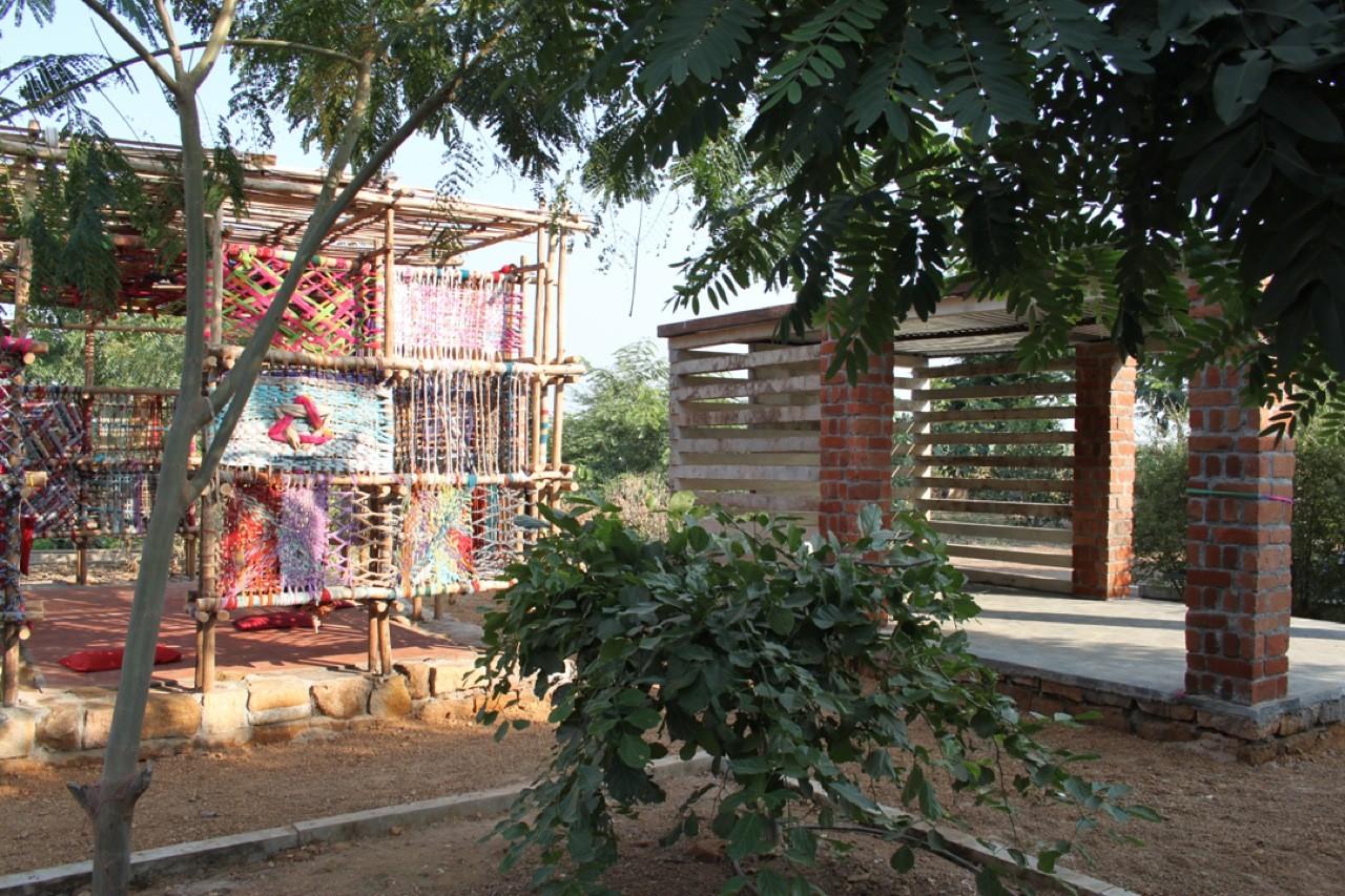 Children's Corner, Center for Rural Knowledge, Halwad / SABA, Courtesy of  saba and alex nosakov