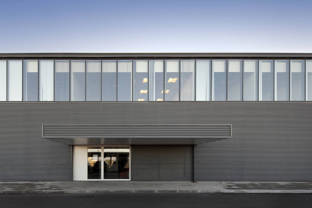 Photovoltaic Factory and Offices / Quadrante Arquitectura, © FG+SG – Fernando Guerra, Sergio Guerra