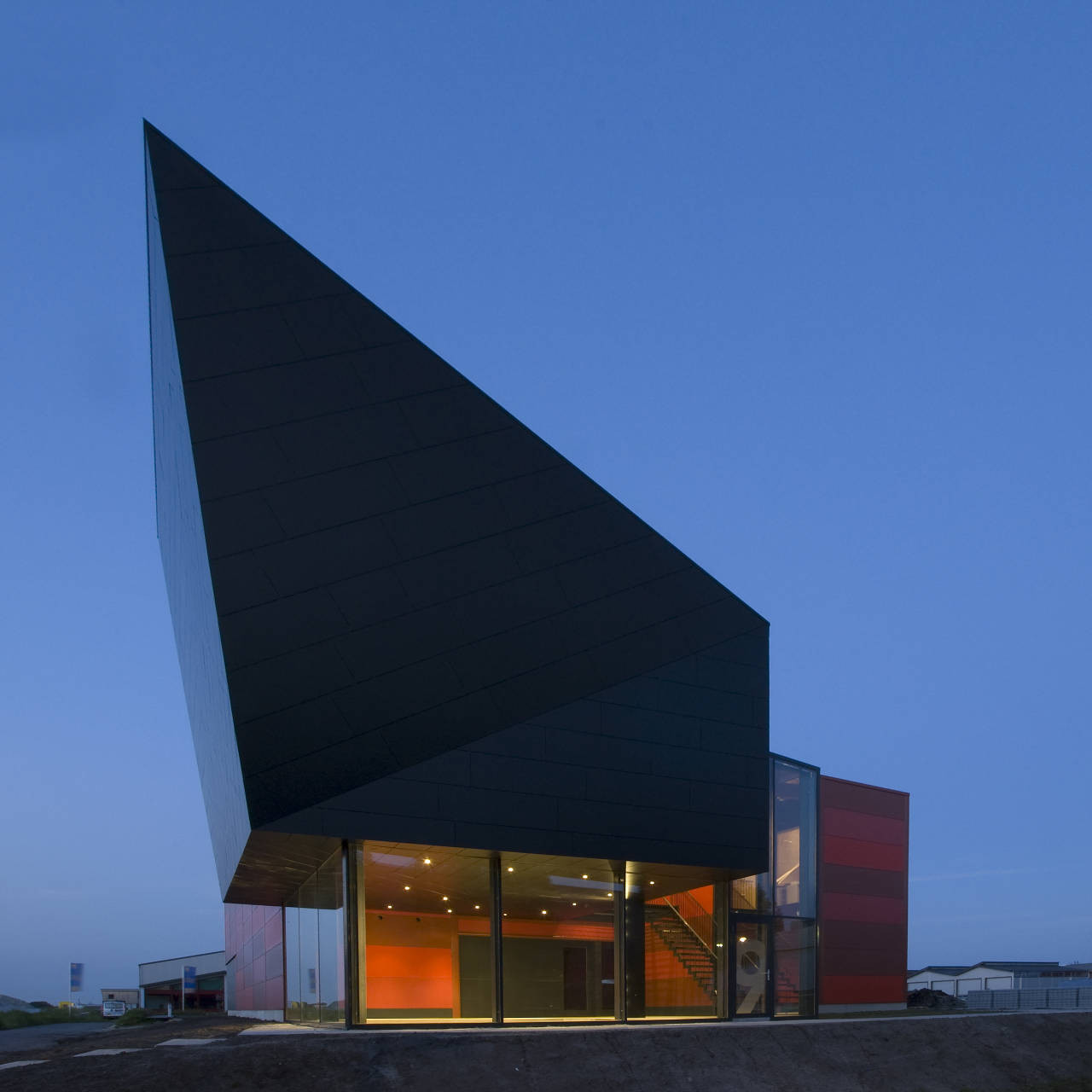 Electric Boat House in The Netherlands / Sebastiaan Jansen Architectuur, © Sebastiaan Jansen
