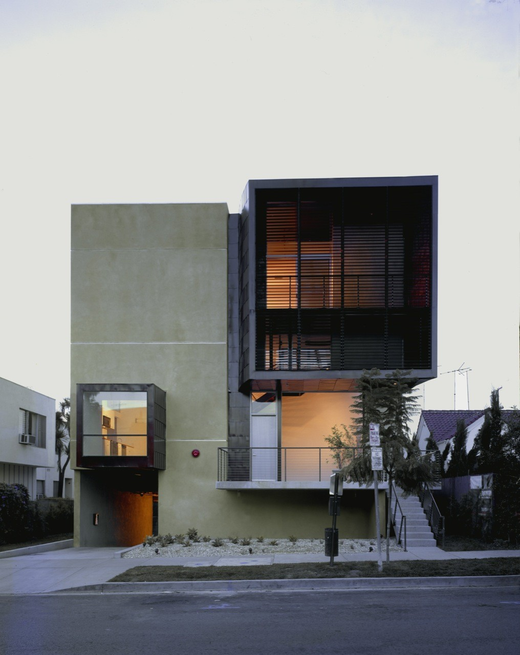 Orange Grove / Brooks + Scarpa Architects, © Marvin Rand