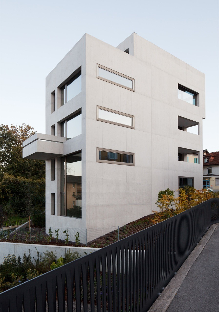 Townhouse in Horgen / Moos Giuliani Herrmann Architekten, ©  Beat Bühler