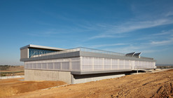 University Sports Hall / Canvas Arquitectos
