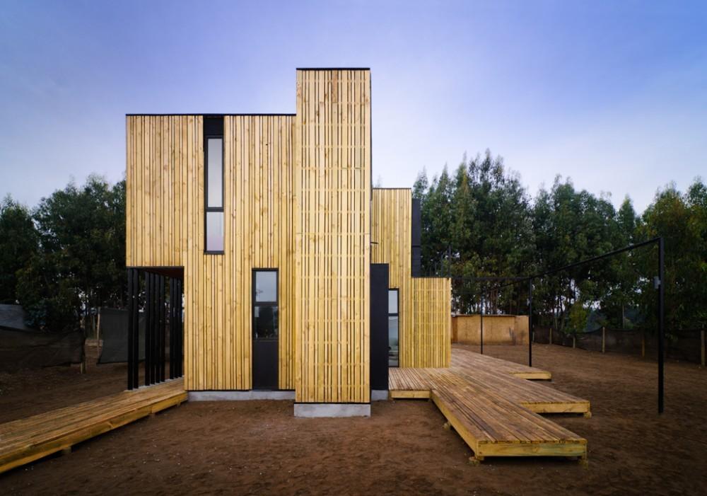 SIP Panel House / Alejandro Soffia  + Gabriel Rudolphy, © Felipe Fontecilla