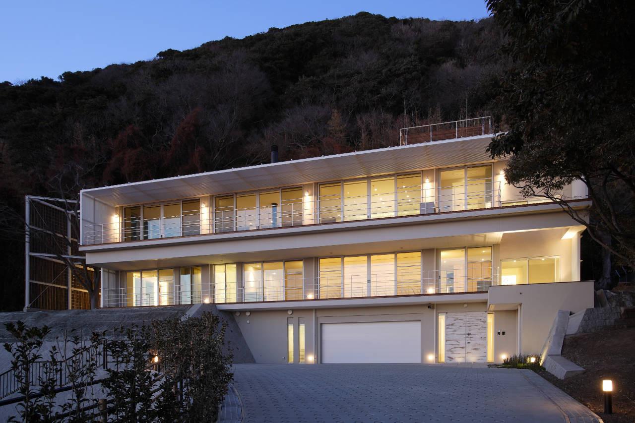 House Overlooking The Sea / Edward Suzuki Associates, © Yasuhiro Nukamura