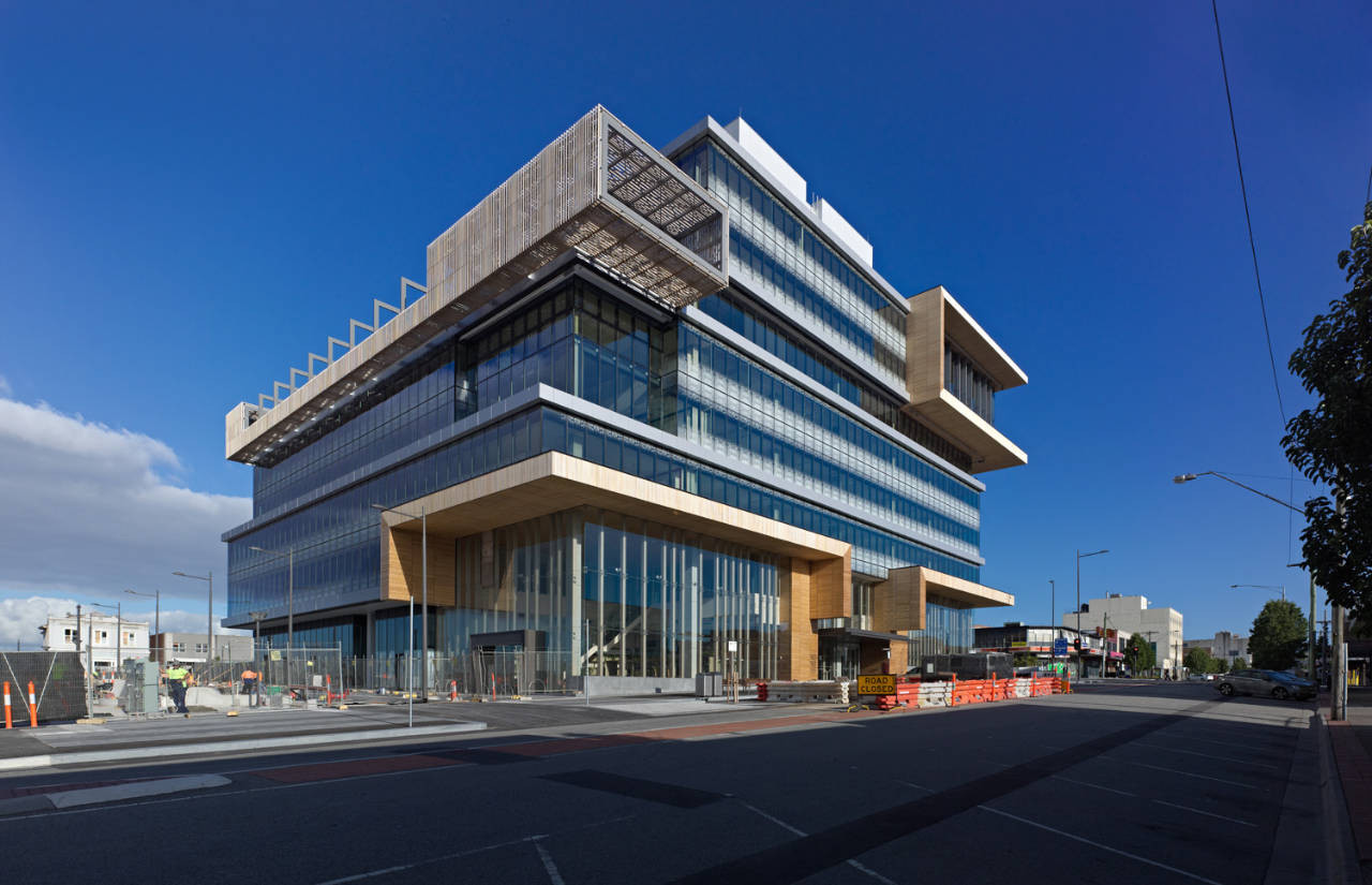 Dandenong Government Services Offices / HASSELL, © Peter Bennetts