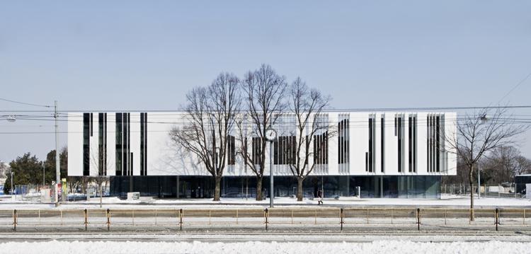 B&F Wien Headquarters / Delugan Meissl, © Herta Hurnaus, DMAA