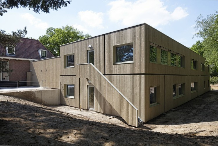 Stayokay Hostel Soest / Personal Architecture , © René de Wit