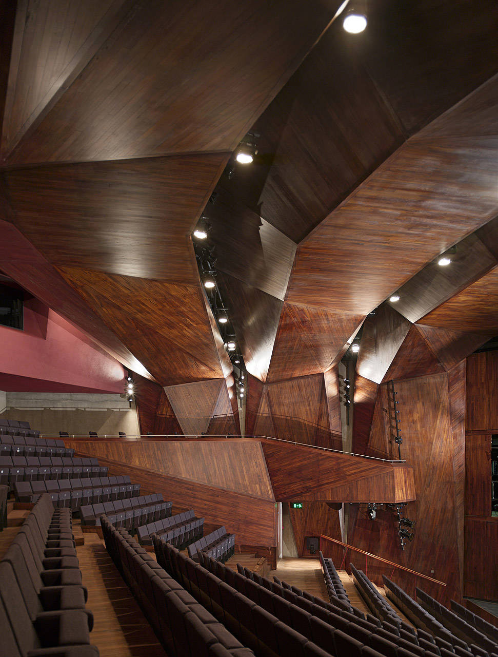 Lyric Theatre Belfast / O'Donnell & Tuomey Architects, © Dennis Gilbert
