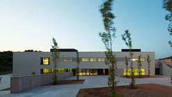 "Kindergarden, Primary and Secondary School ""Les Vinyes"" / MMDM Arquitectes S.C.P."