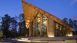 Semper Fidelis Memorial Chapel / Fentress Architects