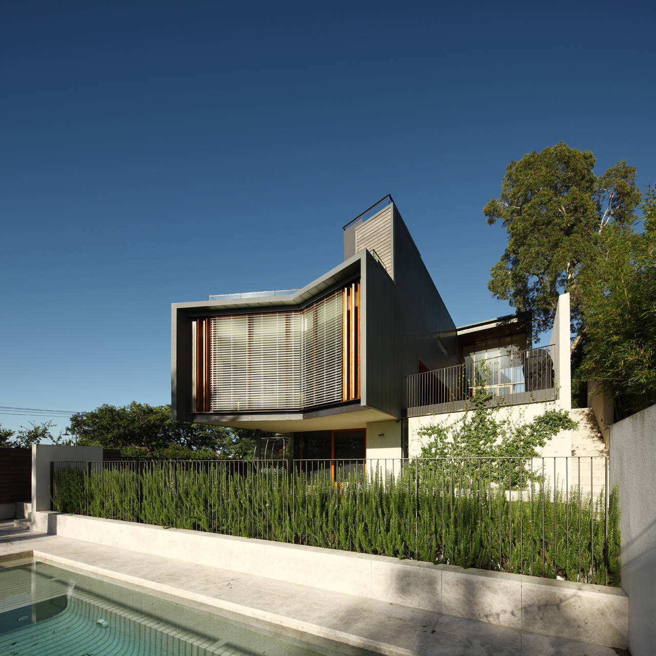 Rosalie Residence / Richard Kirk Architect, © Scott Burrows