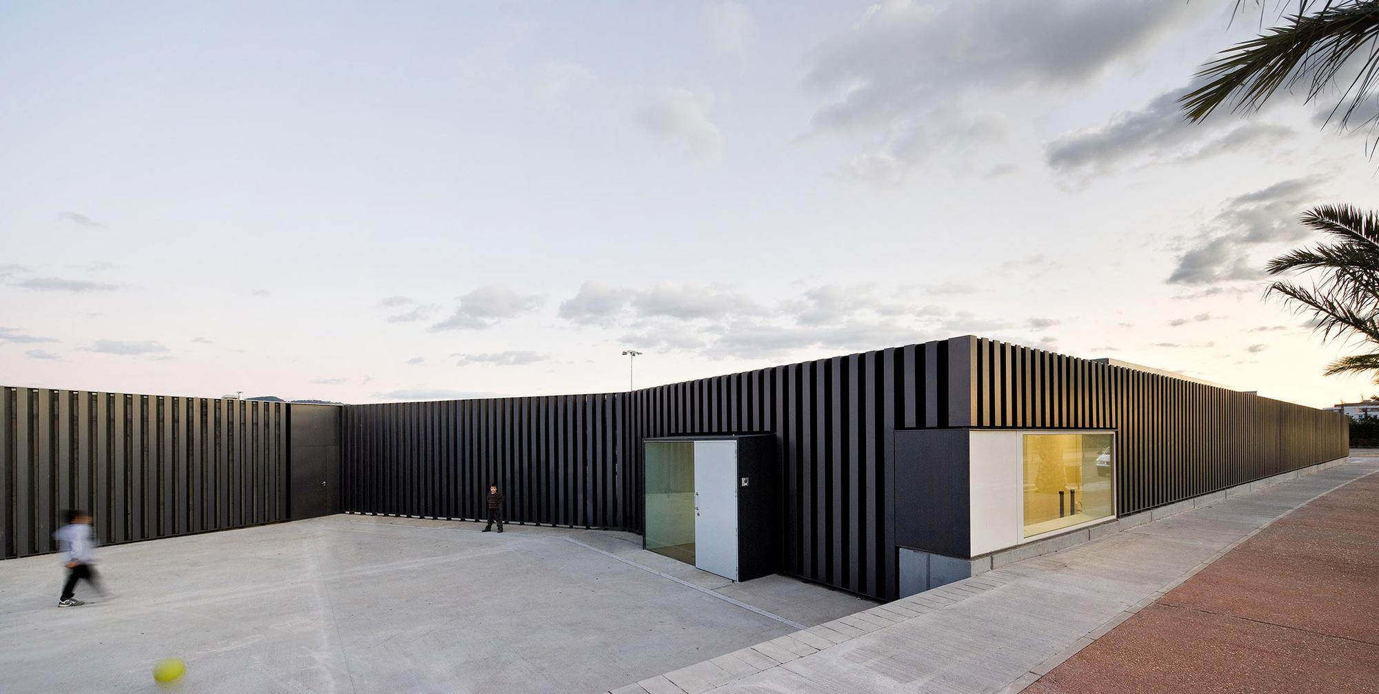 Exterior Swimming Pool / Arquitecturia, © Pedro Pegenaute