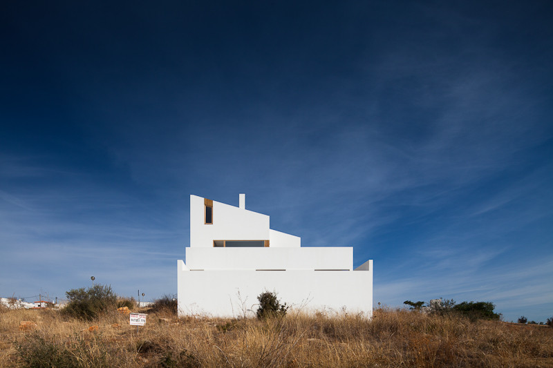House in Mexilhoeira-Grande / Marco Arraiolos, © João Morgado